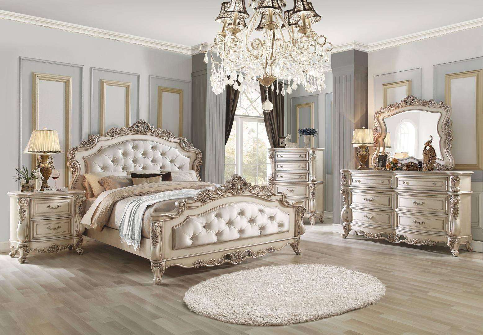 ACME Gorsedd Queen Panel Bedroom Set 5 Pcs in Cream, Antique White, Fabric